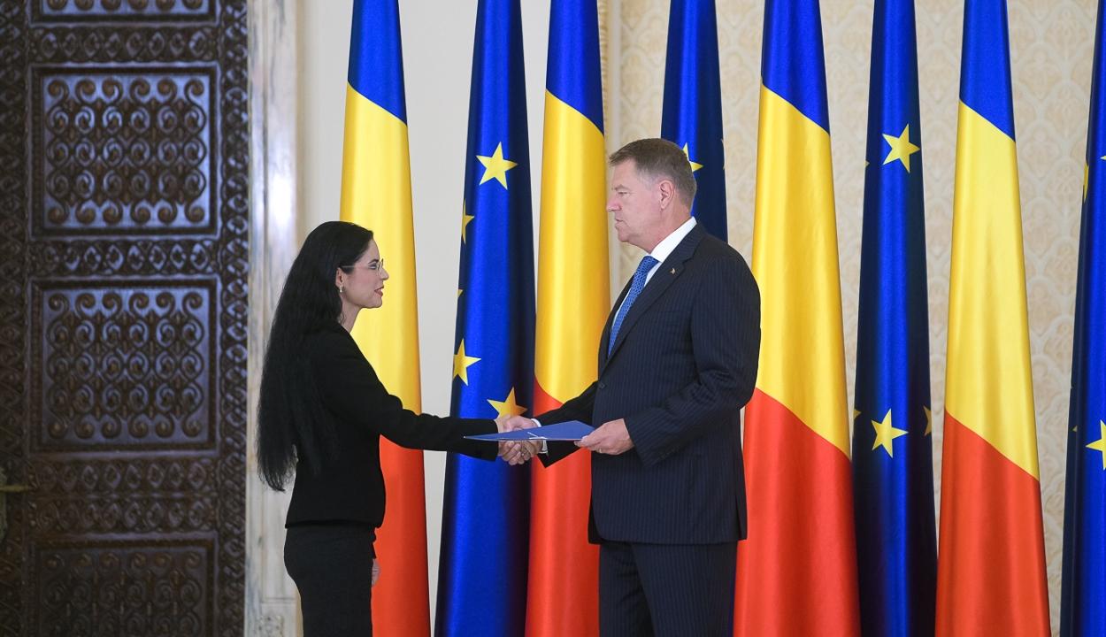 Letette a hivatali esküt a Dăncilă-kabinet három új minisztere