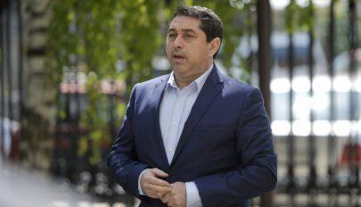 Jogerősen felmentettek a korrupciós vádak alól Cristian David volt belügyminisztert