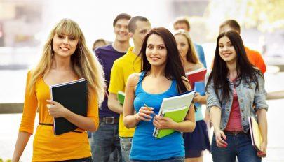 Havi 250 lej támogatást kaphatnak azok a cégek,amelyek diákokat alkalmaznak a vakáció ideje alatt