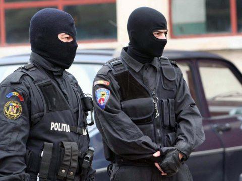 Embercsempészettel foglalkozó nemzetközi bűnszövetkezetet számolt fel a DIICOT