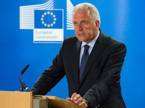 Avramopoulos: Románia hamarosan a schengeni övezet tagja lesz