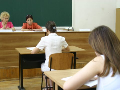 Több mint 135 ezren iratkoztak be a hétfőn elkezdődött nyári érettségi vizsgára