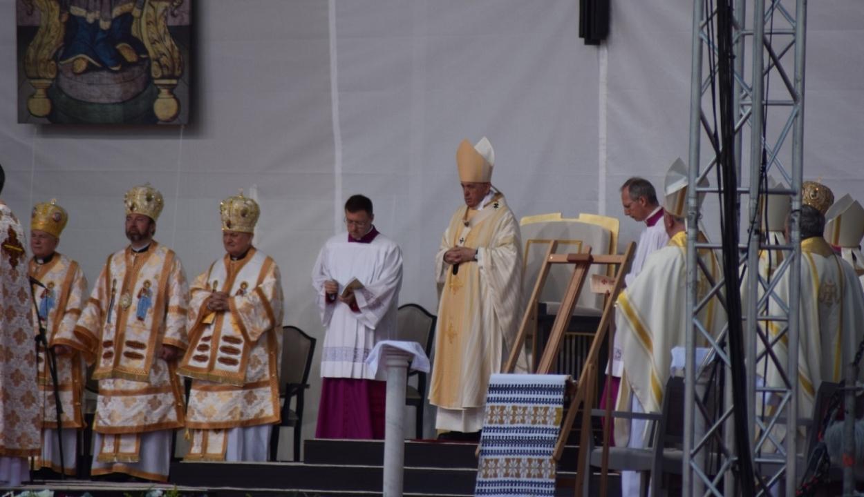 Ferenc pápa boldoggá avatta a hét mártír görögkatolikus püspököt Balázsfalván