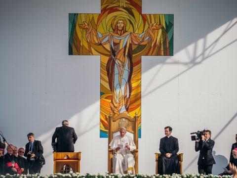 Ferenc pápa a gyökerekhez való ragaszkodás fontosságát hangsúlyozta Jászvásáron
