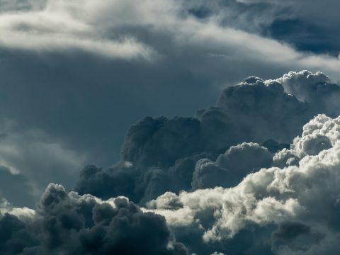 Szombat délutántól az ország egész területén fokozódik a légköri instabilitás