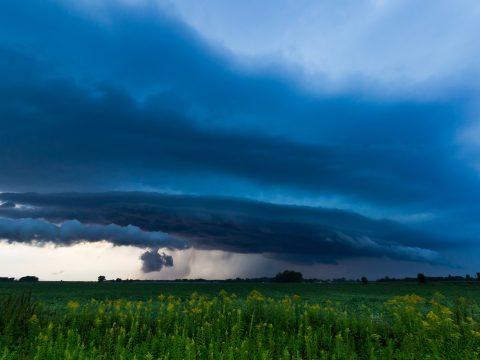 17 megyére adtak ki elsőfokú viharjelzést a meteorológusok