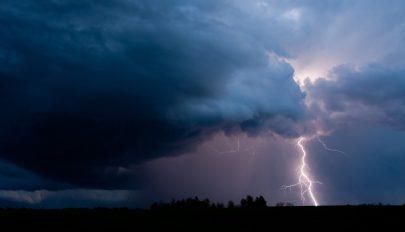 Szélre és viharokra figyelmeztetnek a meteorológusok