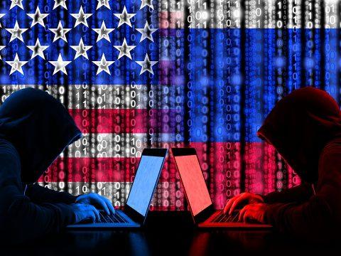 Kreml: Fennáll a kiberháború lehetősége az Egyesült Államok és Oroszország között
