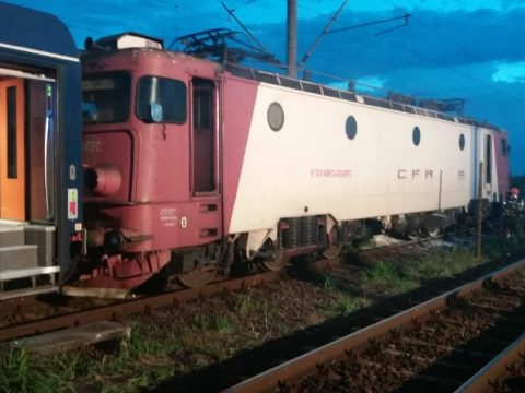 Kigyulladt vasárnap este a Bukarest-Temesvár vonatjárat mozdonya, 200 utast evakuáltak