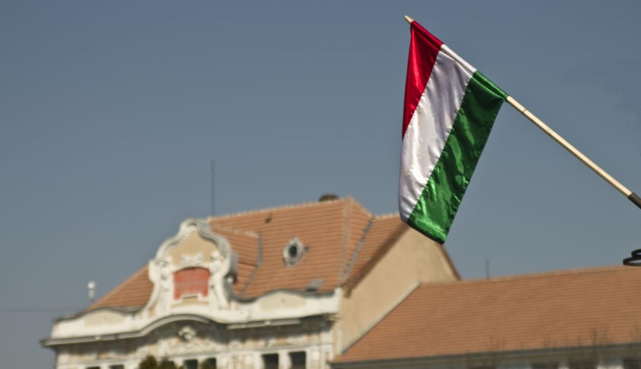 Jogerős: Bokor Tibornak ki kell fizetnie a magyar zászlók miatt kirótt bírságot