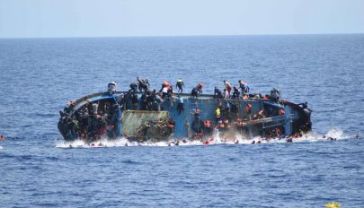 Elsüllyedt egy migránsokat szállító hajó a török partoknál, tizenketten meghaltak