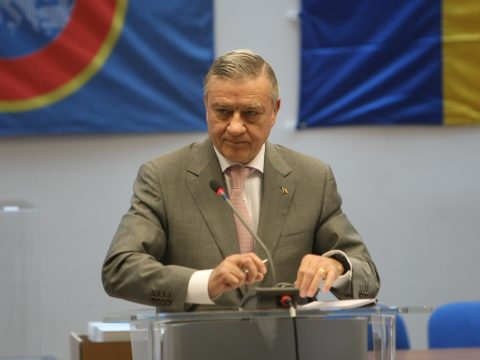 Bíróság elé állította a DNA a FRF volt elnökét, Mircea Sandut