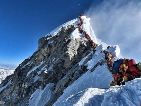 Rengeteg szemetet hagytak az Everesten a hegymászók