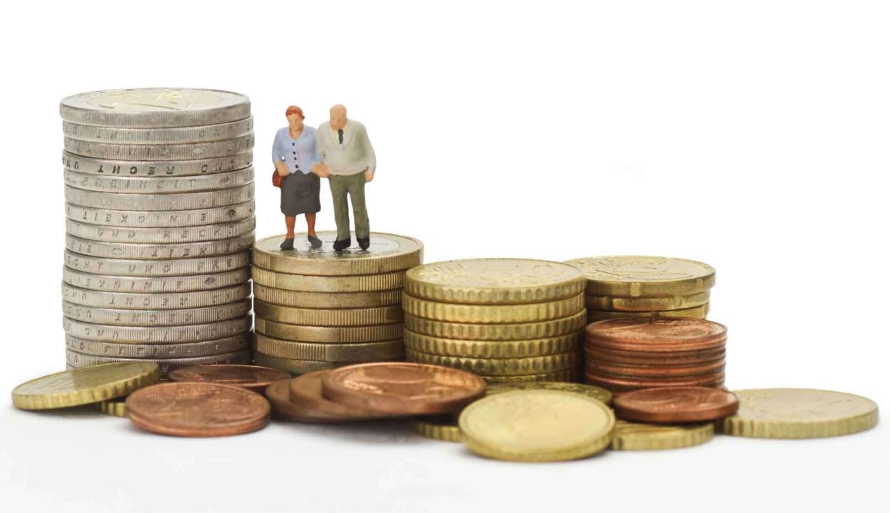 15 százalékkal emelkedtek a nyugdíjak szeptember 1-től