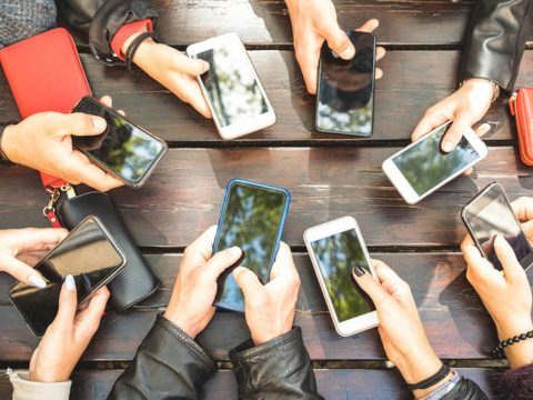 Csontjainkra is hathatnak az okostelefonok