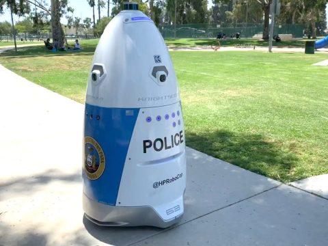 Robotrendőr járőrözik Kaliforniában