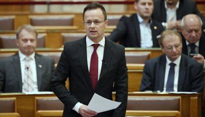 Szijjártó: fel kell lépni a magyarellenes kirohanások ellen Romániában