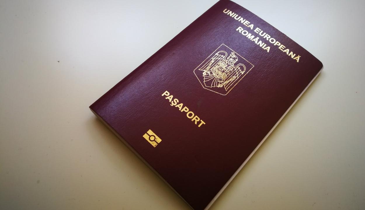 Online is ki lehet fizetni az illetéket az útlevél és a jogosítvány kiváltásáért