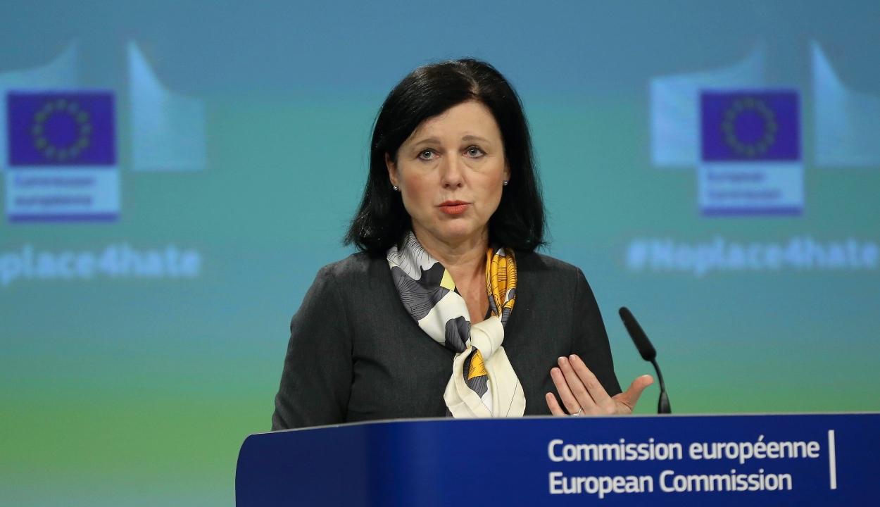 FRISSÍTVE: Vera Jourová EB-alelnök távozását követeli a magyar kormány