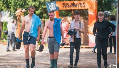 Szalmakalap és fesztivál-póló volt az idei dress code