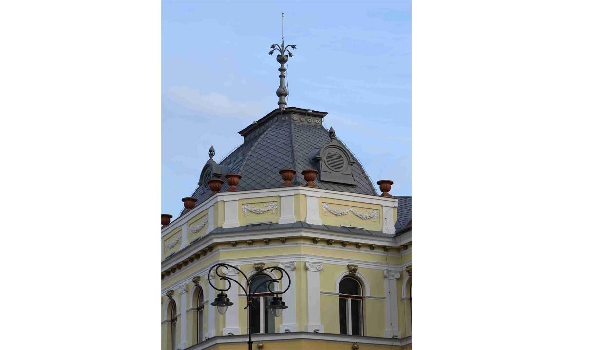 Jogerős: nem kell kitűzni a román zászlót a sepsiszentgyörgyi városháza tornyára