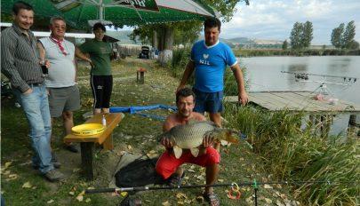 Horgásztavat vett a falu