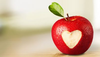 Százmillió baktérium található egy almában