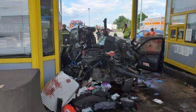 Fizetőkapunál várakozó magyarokat tarolt le egy ámokfutó a horvát autópályán