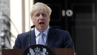 Johnson: semmi sem akadályozhatja meg az októberi Brexitet