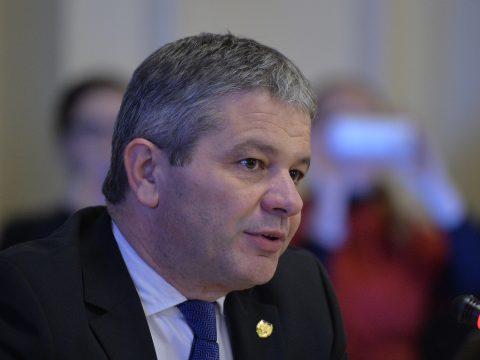 Plagizálás miatt visszavonták Florian Bodog volt egészségügyi miniszter doktori címét