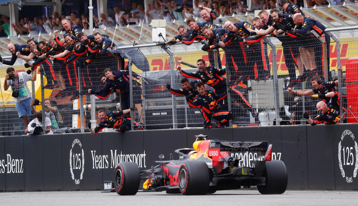 Forma-1: Verstappen nyerte a kaotikus Német Nagydíjat