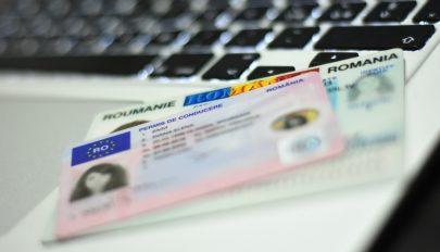 Hamarosan online igényelhetjük a személyit, az útlevelet és a jogosítványt