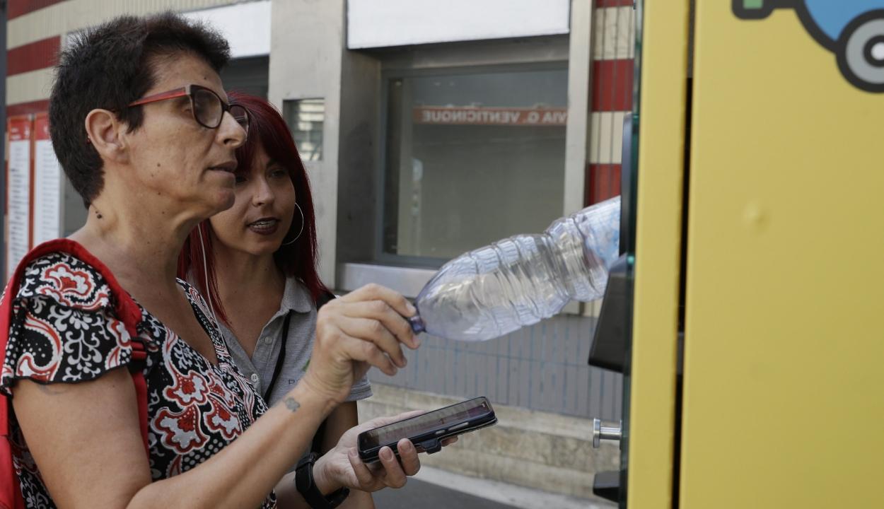 Metrójegyre váltják a műanyaghulladékot Rómában