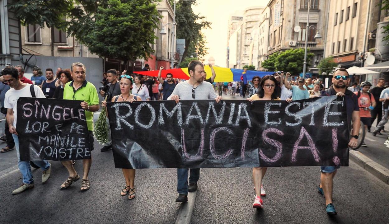 Caracali ügy: több ezren tüntettek a belügyminisztérium székháza előtt