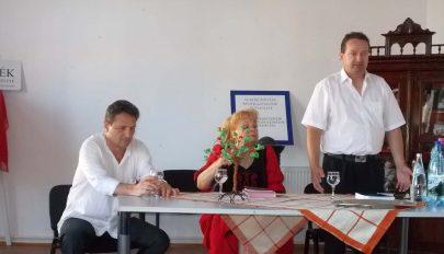 Oktatási központot és hagyományéltető házat létesítenének