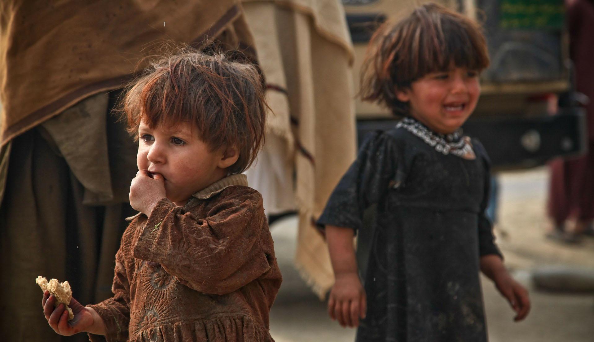 A romániai és bulgáriai gyerekek vannak leginkább kitéve az elszegényedés kockázatának