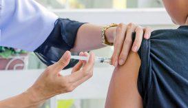Ingyenes védőoltás kér a tanároknak a tanügyi szakszervezet