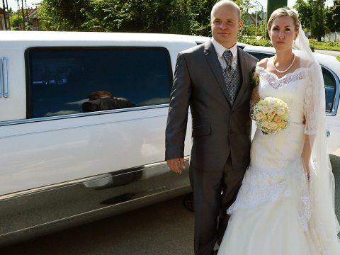 Bérelj limuzint esküvőre!