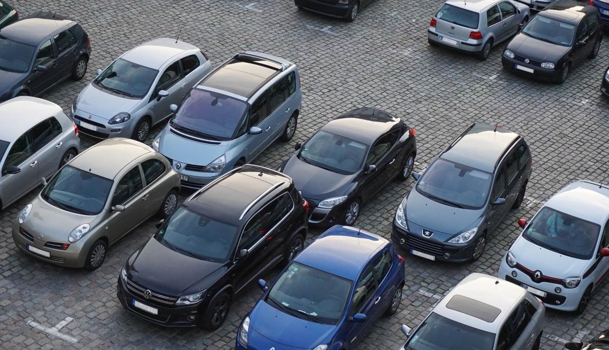 Csaknem 30 százalékkal csökkent a román autópiac az év első négy hónapjában