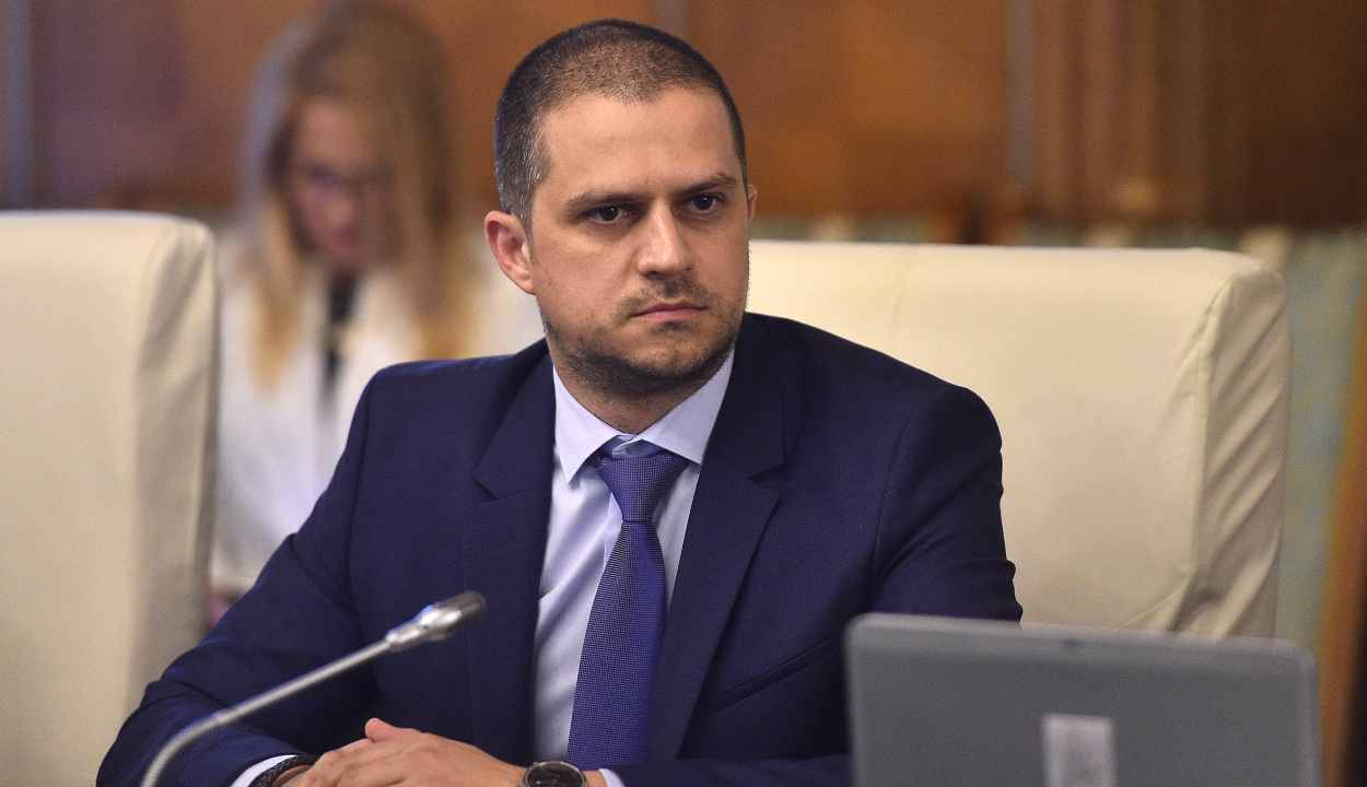 Turisztikai miniszter a tanévkezdésről: mind a tanulóknak, mind a turizmusnak kedvezni kell