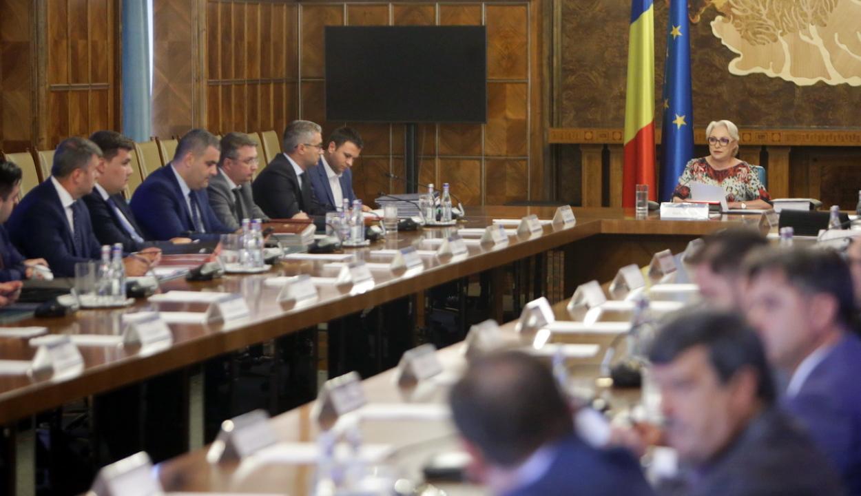 Benyújtotta lemondását az ALDE három minisztere