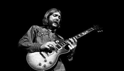 Rekordáron kelt el a világ egyik legjobb gitárosának hangszere