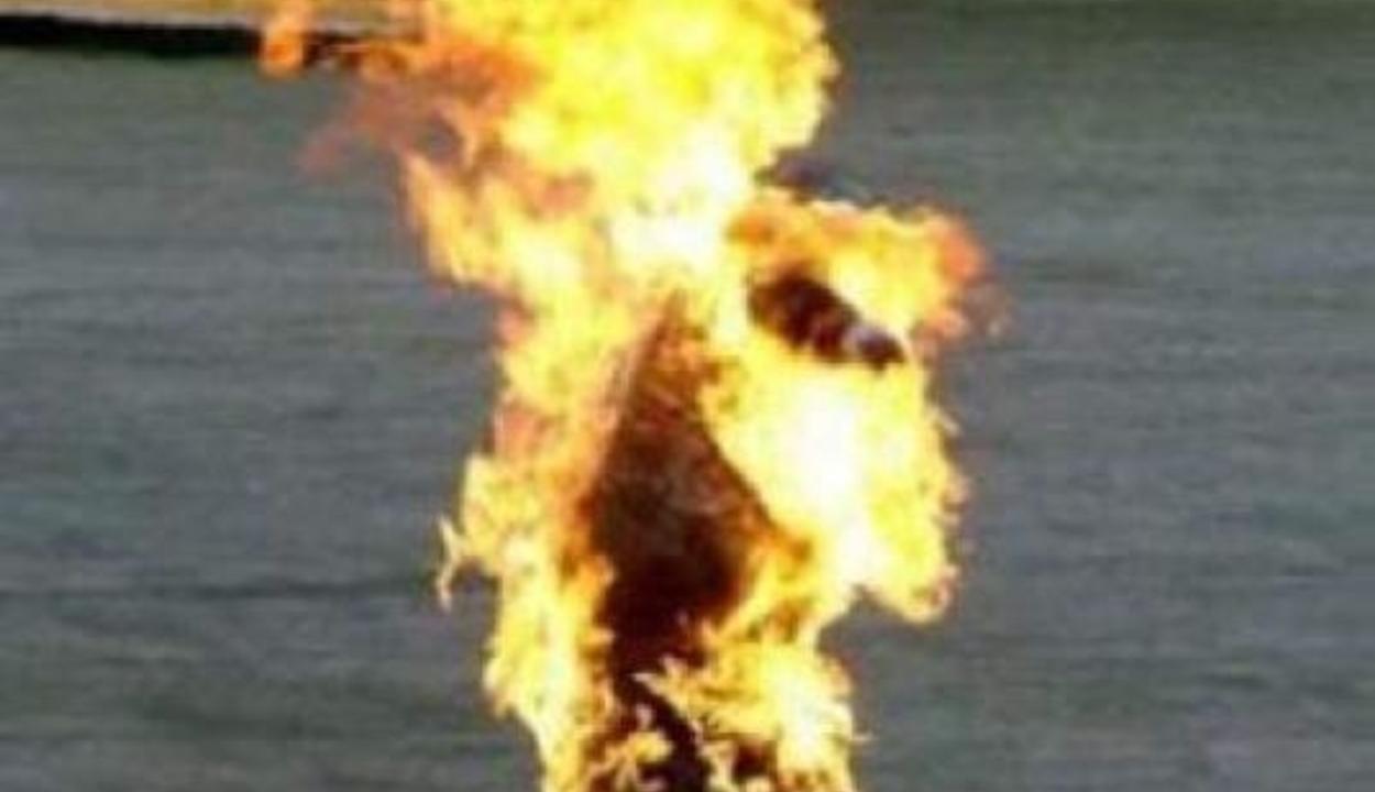 Felgyújtotta magát az utcán és belehalt sérüléseibe egy botoşani-i féltékeny férfi