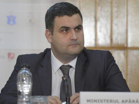 Leş: A 112-es rendszert nem kellene átvennie a védelmi minisztériumnak