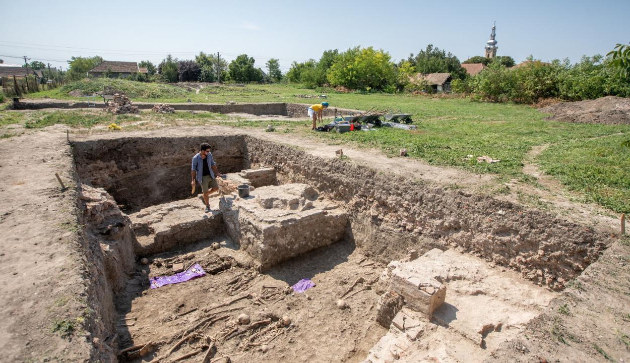 Megtalálhatták II. András király és felesége sírját a bánsági Egresen
