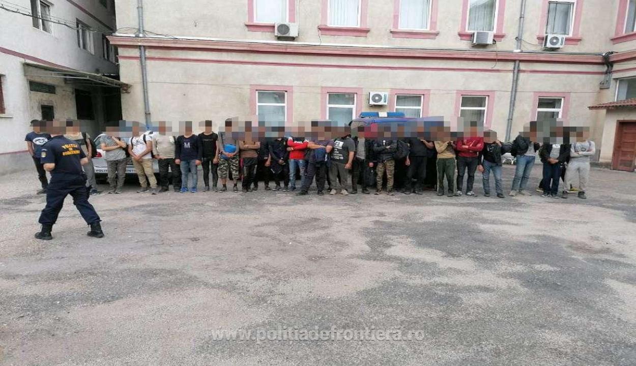 Több mint kétszáz bevándorlót kaptak el a hétvégén a rendőrök