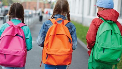 Cîmpeanu: csökkenni fog az iskolatáska súlya