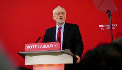 Corbyn: kormányra kerülése után a Munkáspárt azonnal törvénybe iktatja a Brexit-népszavazást