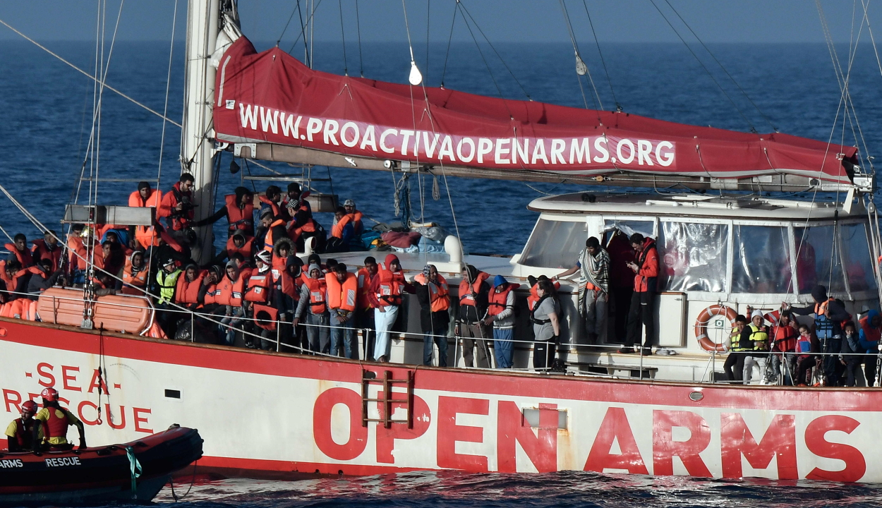 Külügy: Románia készt átvenni tíz menedékkérőt Máltáról