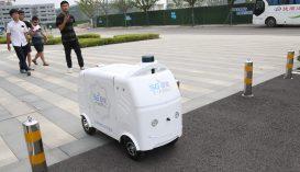 Önvezető kisautók szállítják ki az interneten vásárolt árucikkeket Kelet-Kínában